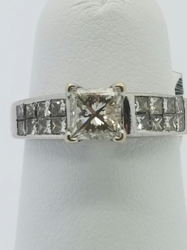 DIAMOND  CLUSTER RING L'S 14KT DIAMOND ENGAGEMENT RING 2.1/YG