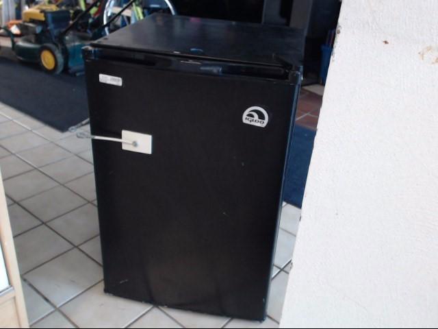 IGLOO Refrigerator/Freezer FR464-BLK