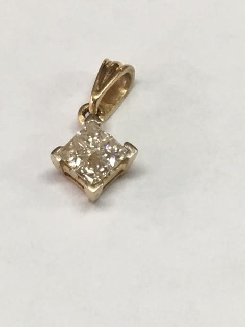 Gold-Multi-Diamond Pendant 4 Diamonds .52 Carat T.W. 14K Yellow Gold 1.8g