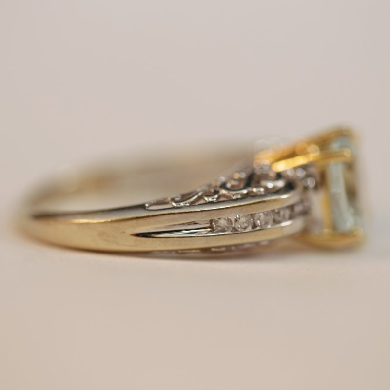 Vintage Inspired 14K Two Toned Aquamarine and Diamond Ring Size 7.75
