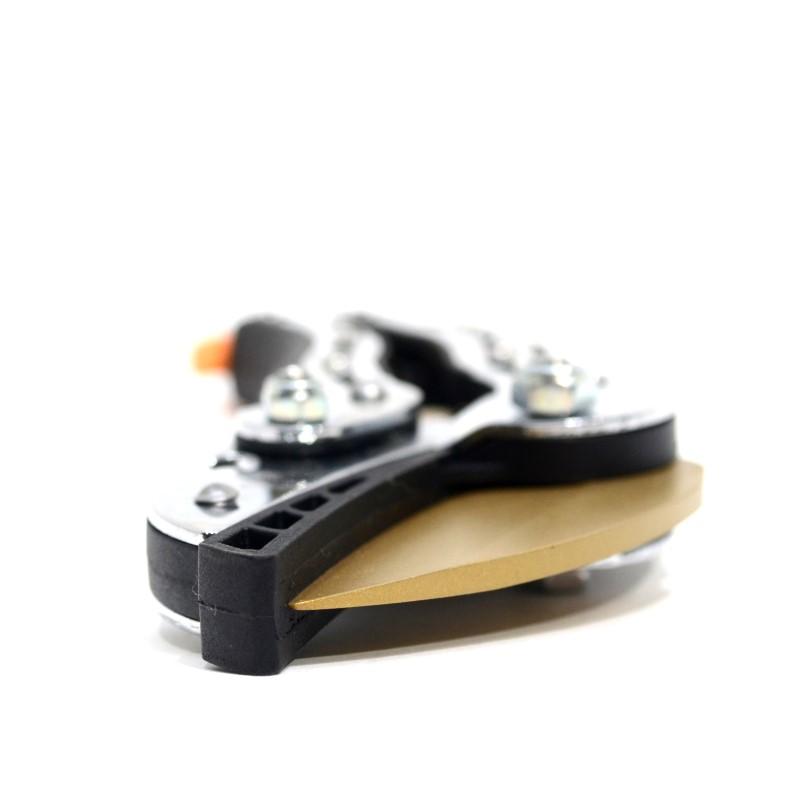 "Fiskars 6-3/4"" Titanium Anvil Ratchet Hand Pruner 1"" Cutting Max>"