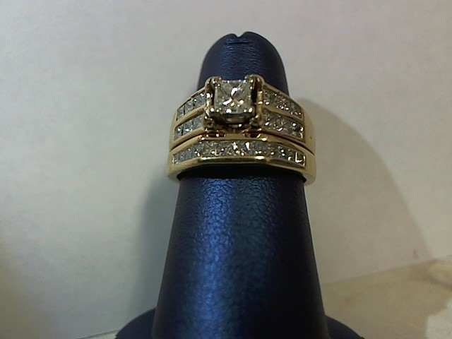 Lady's Diamond Wedding Set 25 Diamonds 1.37 Carat T.W. 14K Yellow Gold 7.1g