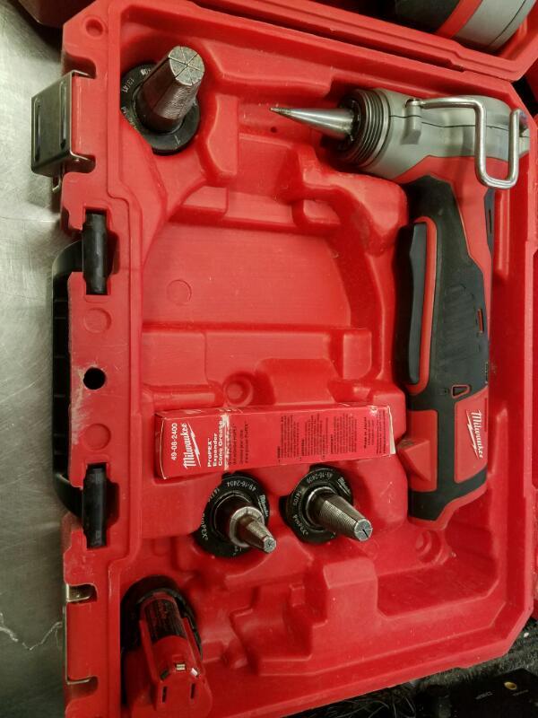MILWAUKEE Mixed Tool Box/Set 2632-20 & 2432-20