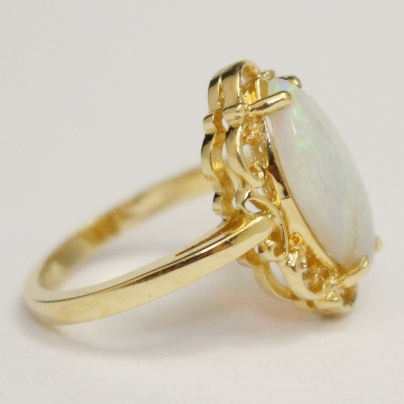 Vintage Inspired 14K Yellow Gold Opal Stone Ring Size 5.75
