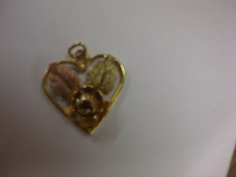 BLACK HILLS GOLD HEART PENDANT