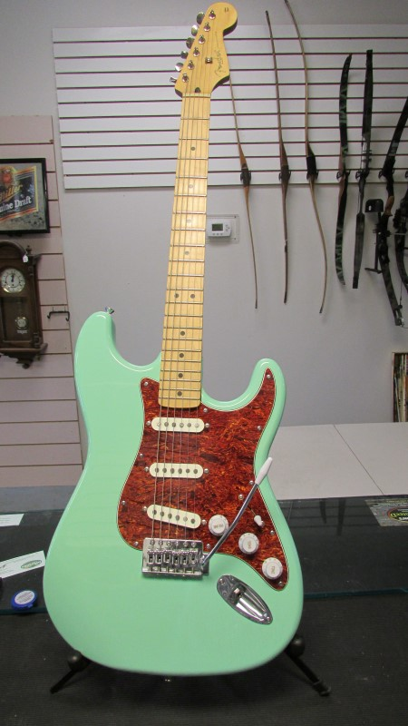 FENDER STRATOCASTER DELUXE SERIES 2006-2007 (MEXICO)
