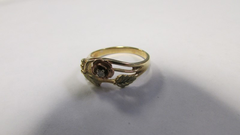 Lady's Diamond Gold Ring 10K Yellow/ Black Gold 2g Size:7