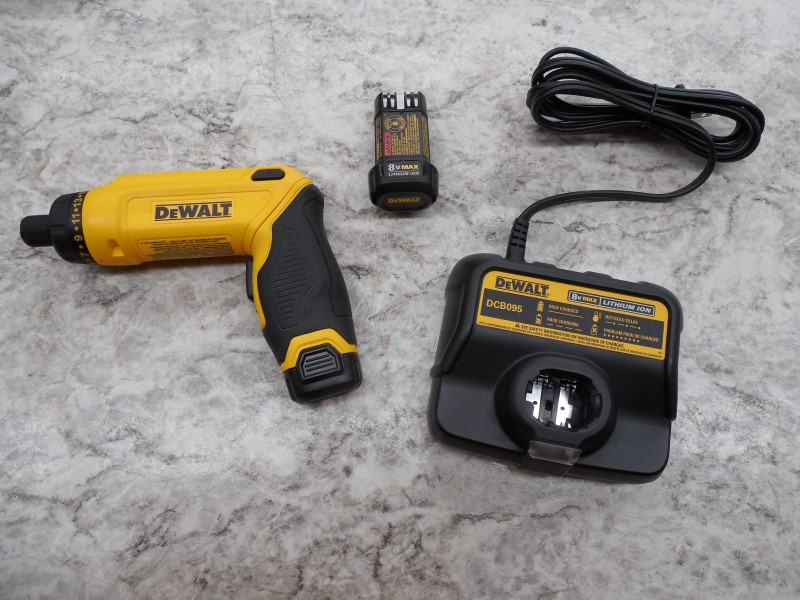 DEWALT DCF680 8V MAX GYROSCOPIC SCREWDRIVER 2 BATTERY KIT W/ CHARGER,CASE,MANUAL