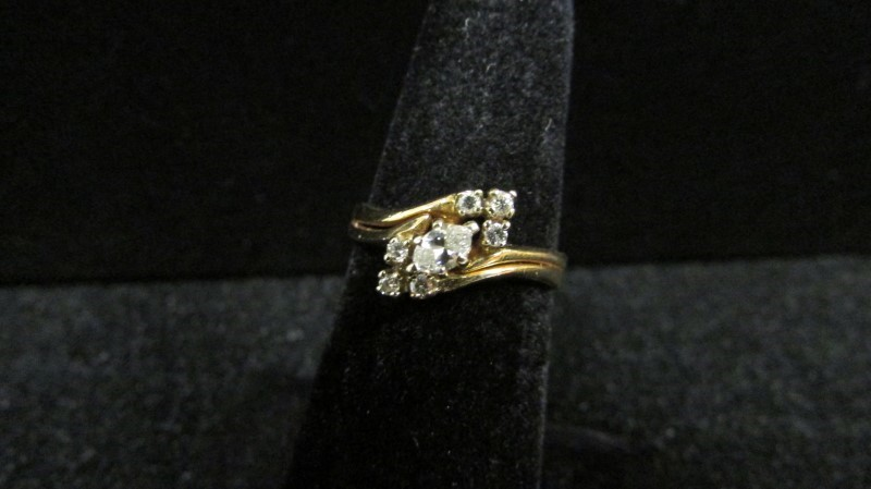 Lady's Diamond Wedding Set 7 Diamonds .31 Carat T.W. 14K Yellow Gold 3.3g