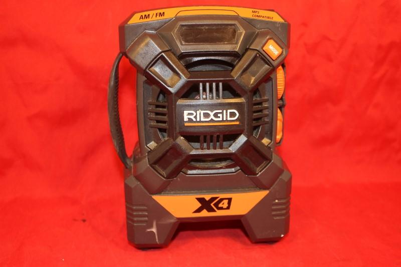 RIDGID 18v 18 VOLT X4 PORTABLE RADIO AM/FM MP3 AUX LITHIUM-ION