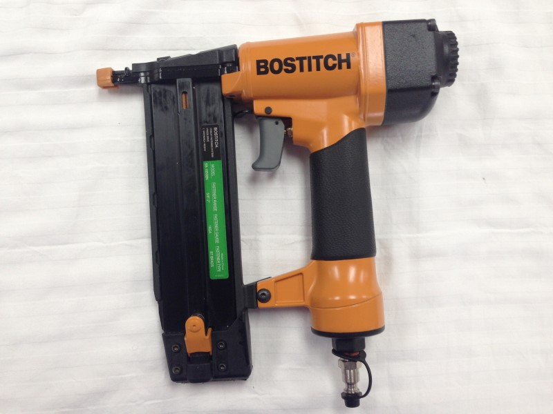 BOSTITCH SB-1850BN 5/8-inch to 2-inch 18 Gauge Brad Air Nailer Nail Gun