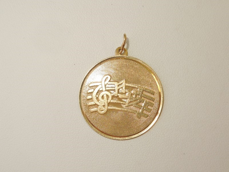 Gold Pendant 14K Yellow Gold 2.5g