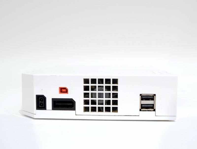 Nintendo Wii RVL-001 GameCube Compatible White Console Bundle