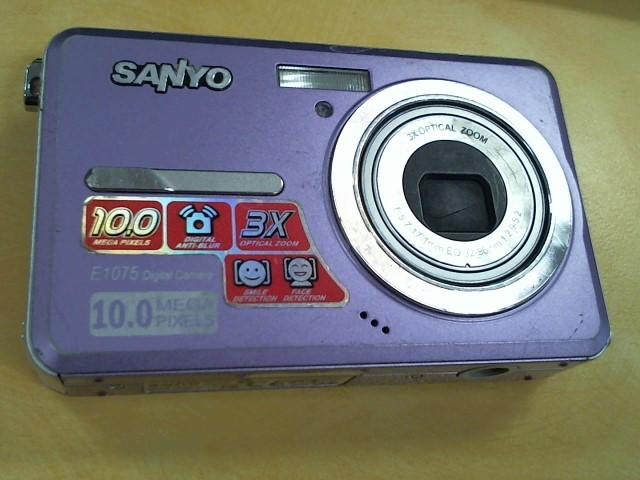 SANYO Digital Camera VPC-E1075