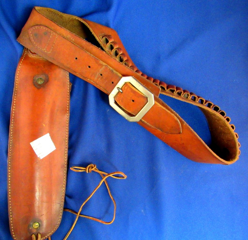 LEATHER BELT WITH HOLSTER