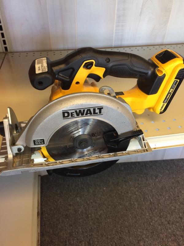 DEWALT Circular Saw DCS391