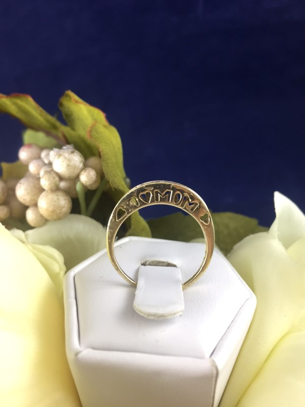 "Beautiful 10k Yellow Gold and Diamond ""I Love Mom"" Ladies Ring Size 6.75 (1.59g)"