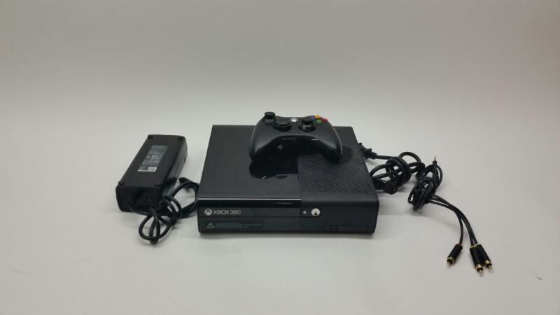 Microsoft Xbox 360 E - 500 GB