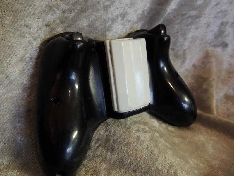 Microsoft Xbox 360 S Black Console 4GB (Model 1439)