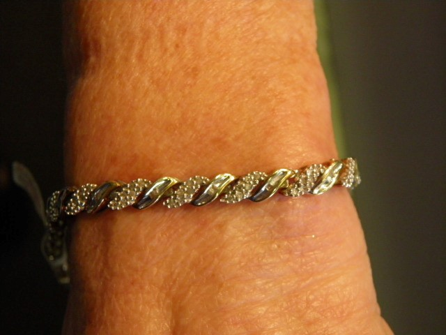 Gold-Diamond Bracelet 108 Diamonds 1.08 Carat T.W. 10K Yellow Gold 12.7g