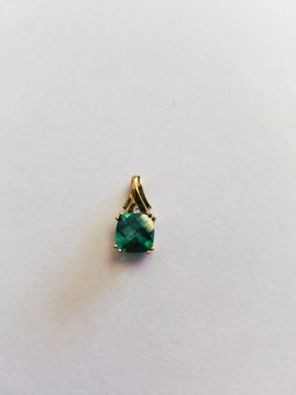 Green Stone Stone Necklace 10K Yellow Gold 0.8g