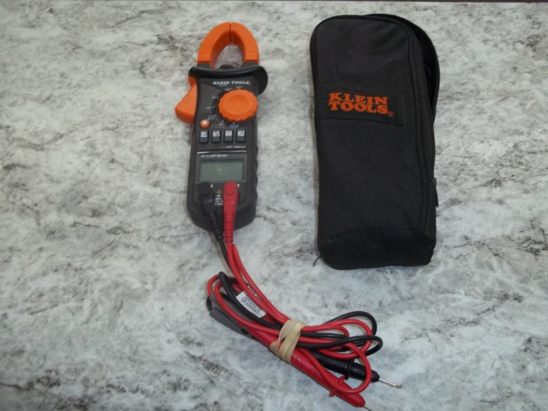 KLEIN TOOLS CL200 AC CLAMP METER WITH TEMPERATURE CHECK, LEADS AND CASE