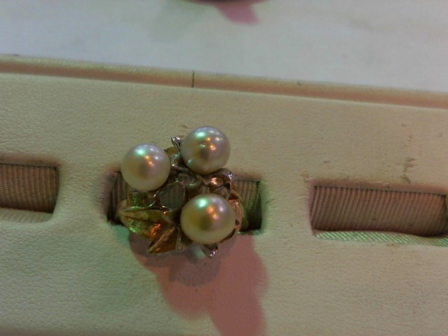 Synthetic Pearl Lady's Stone Ring 14K Yellow Gold 6.4g