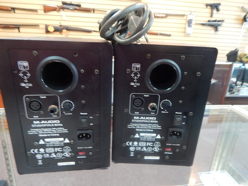 M AUDIO Monitor/Speakers BX5A-Broken