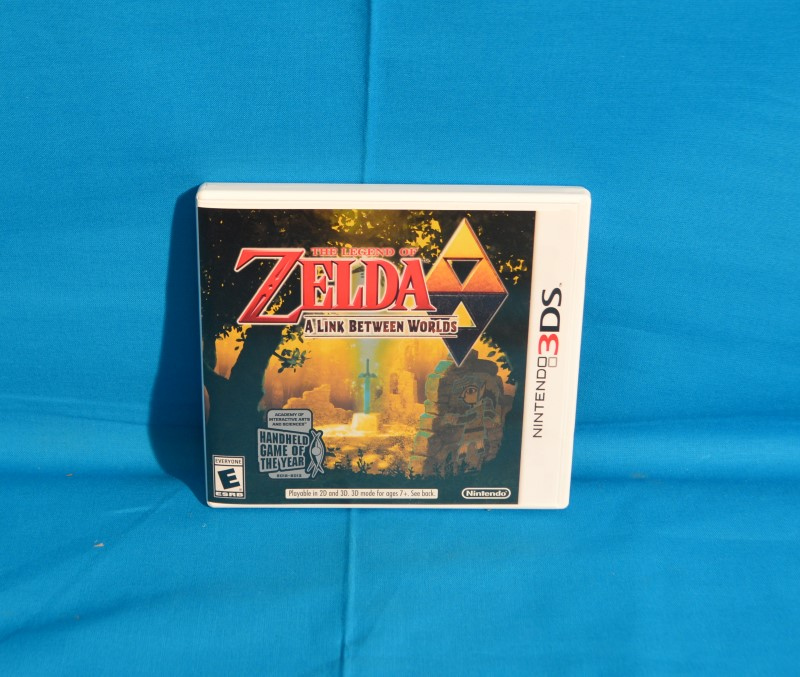 NINTENDO Nintendo 3DS Game THE LEGEND OF ZELDA A LINK BETWEEN WORLDS 3DS