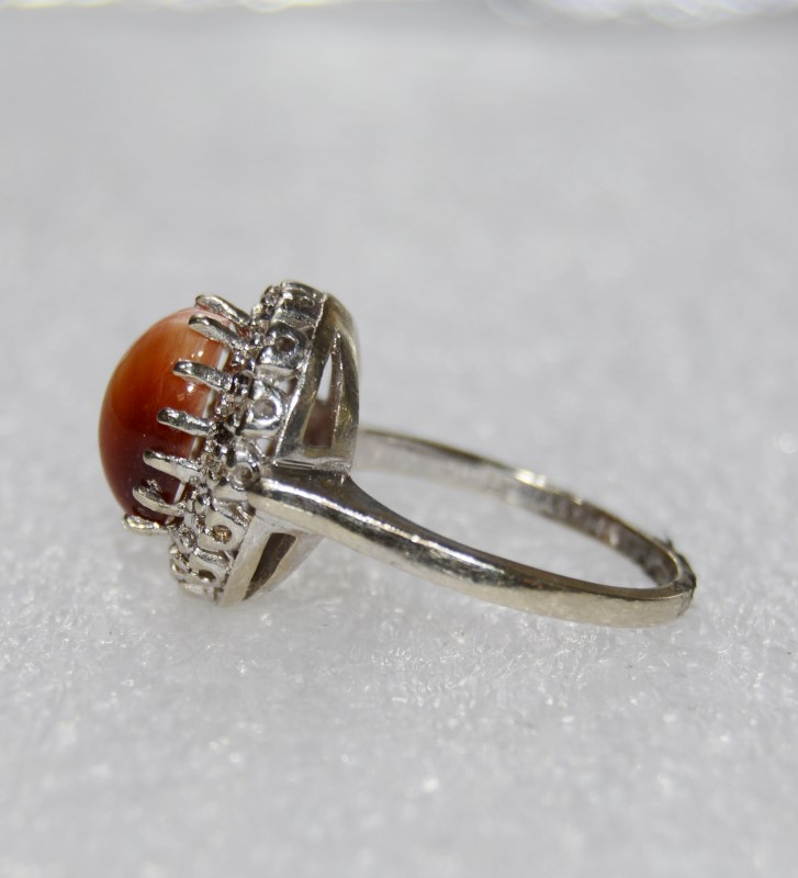 Cats Eye Crysoberyl Lady's Stone & Diamond Ring 14 Diamonds .14 Carat T.W.