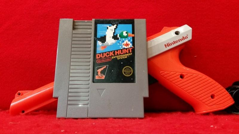 DUCK HUNT W/ ZAPPER GUN - NES Nintendo Entertainment System Game 1985