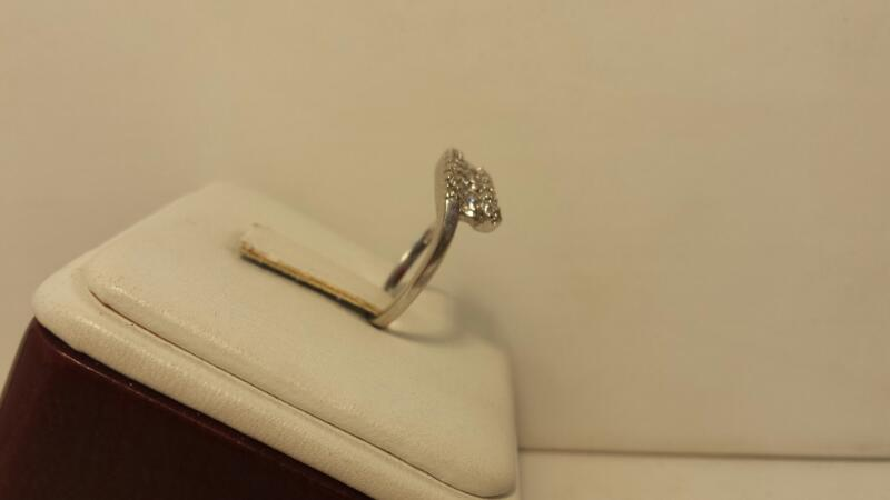 10k White Gold Ring with 30 Diamonds at .63ctw - 1.8dwt - Size 7