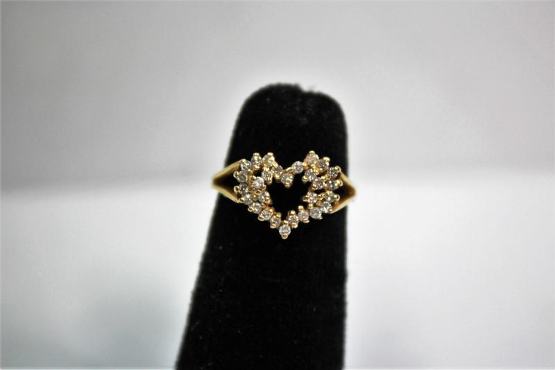 Lady's Diamond Cluster Ring 29 Diamonds .29 Carat T.W. 14K Yellow Gold 2.5g