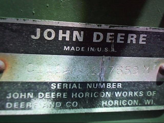 JOHN DEERE Lawn Tractor L111