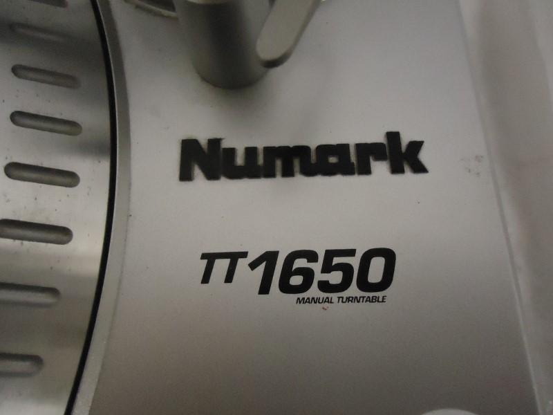 NUMARK ELECTRONICS Turntable TT1650