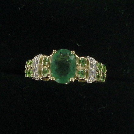 Green Stone Lady's Stone & Diamond Ring 8 Diamonds .08 Carat T.W.