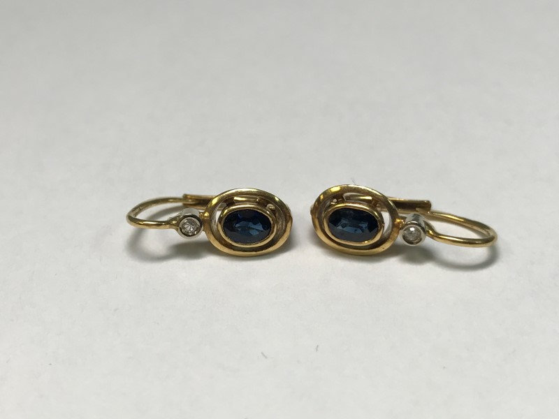 Sapphire Gold-Stone Earrings 18K Yellow Gold 2.9g