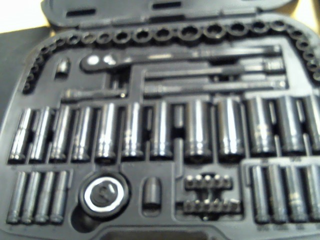 HUSKY Sockets/Ratchet 60 PC SOCKET SET