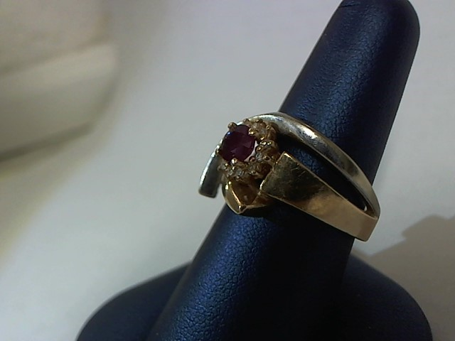 Synthetic Agate Lady's Stone & Diamond Ring 20 Diamonds .172 Carat T.W.