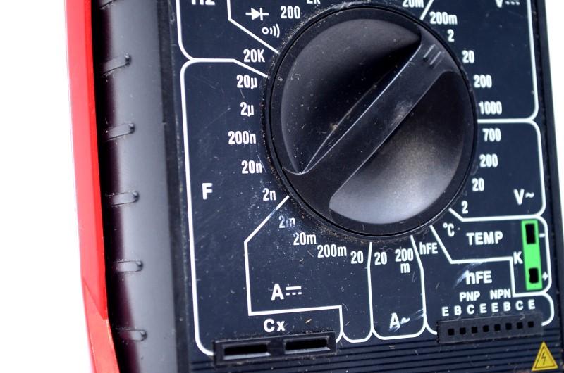 Cen-Tech P37772 Digital Multimeter Temperature Measurement *AS-IS*