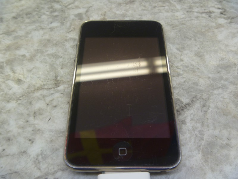 APPLE IPOD A1288 8GB ***AS-IS***