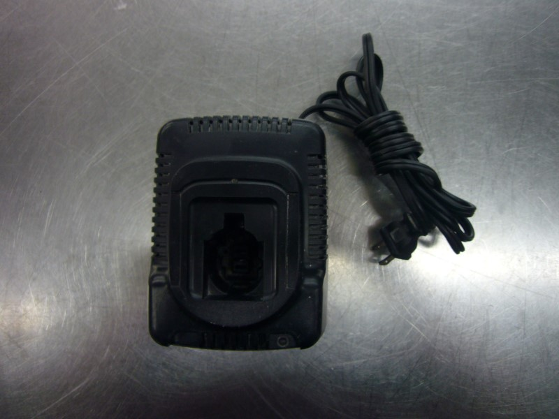 DEWALT Battery/Charger DW9116