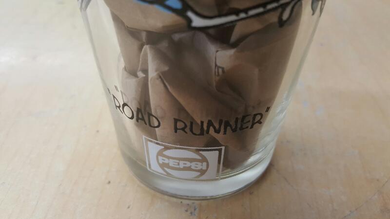 WARNER BROTHERS Glass/Pottery ROADRUNNER PEPSI GLASS