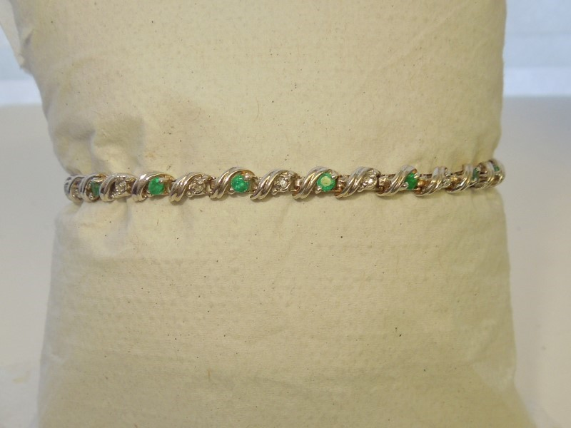 Synthetic Emerald Gold-Diamond & Stone Bracelet 16 Diamonds .16 Carat T.W.