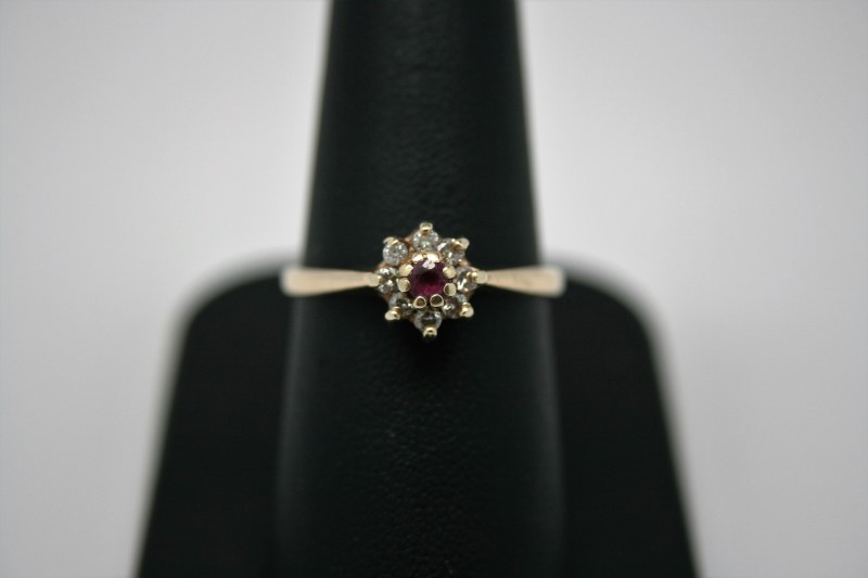 LADY'S RUBY W/ DIAMOND RING 14K YELLOW GOLD