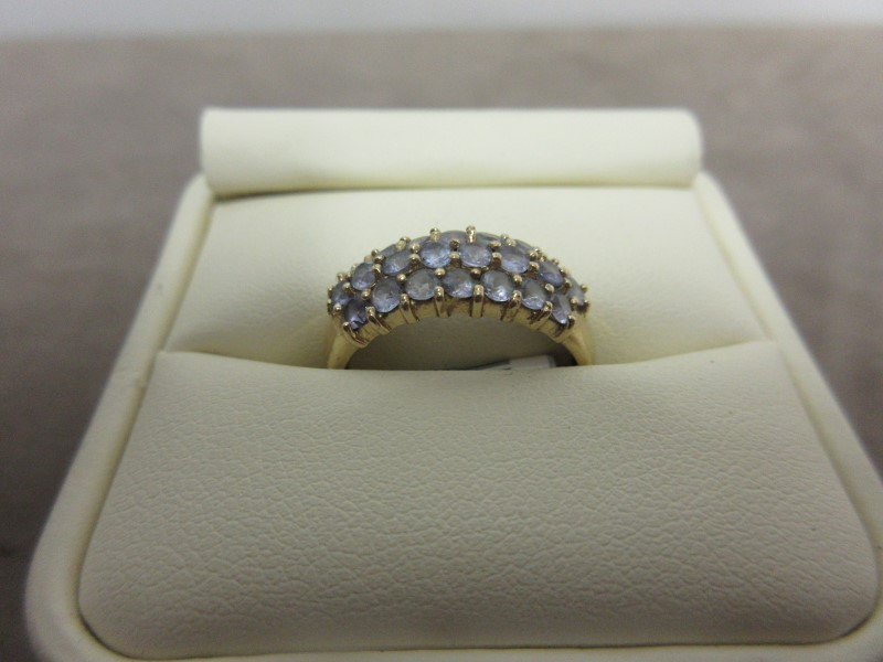 Purple Stone Lady's Stone Ring 10K Yellow Gold 2.58g