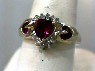 Red Stone Lady's Stone Ring 10K Yellow Gold 1.8dwt