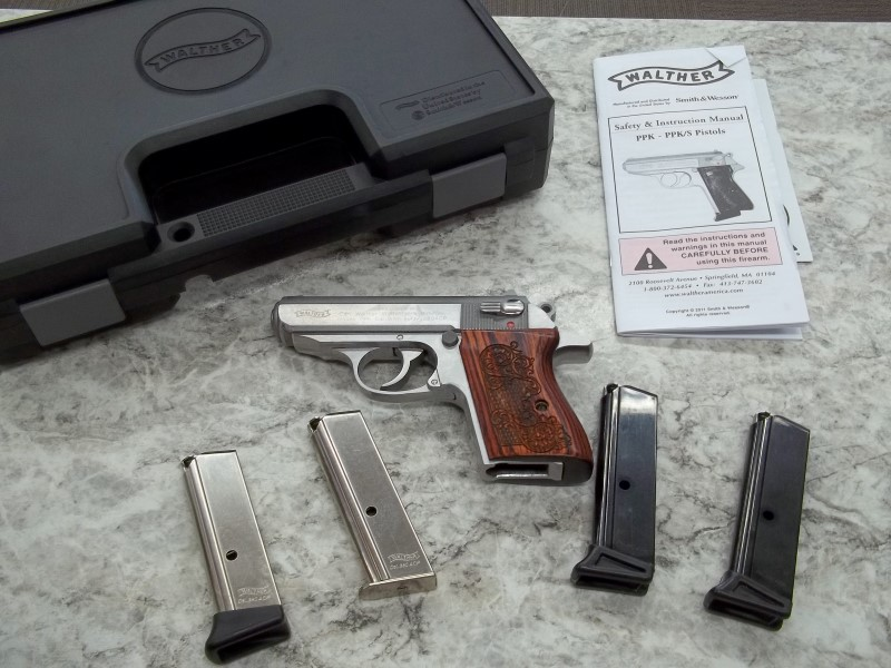 WALTHER ARMS PISTOL PPK .380 ACP - WITH ORIGINAL BOX AND PAPERS AND 3 EXTRA MAGS