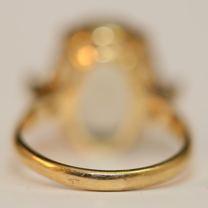 14K Yellow Gold Oval Cut Brown Stone w/ White Stone Accents Size 7.5