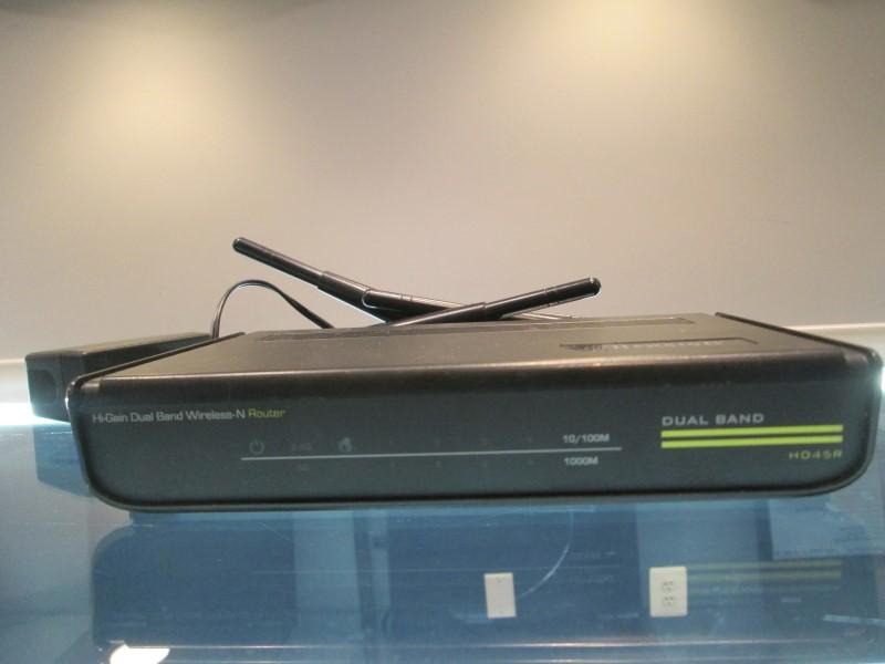 3Hawking Tech Band-N Access Point Bridge BUNDLE +More